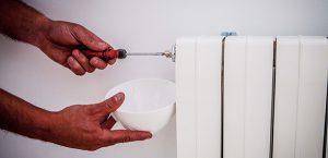 Purgar el radiador para ahorrar en tu calefacción
