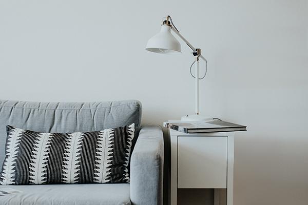 sofá azul blanco