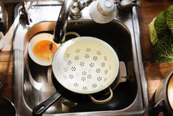 Limpieza-a-domicilio-fregar