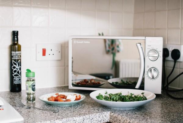 limpiar los electrodomesticos microondas
