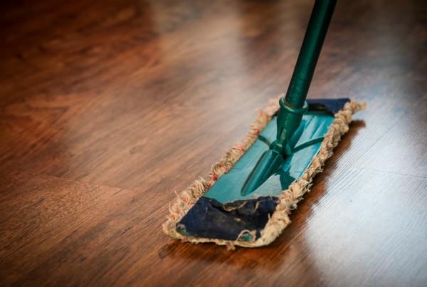 limpieza a fondo de la cocina suelo