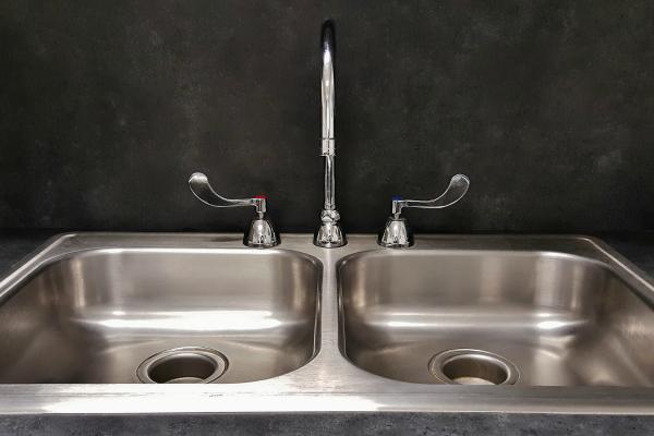 trucos de limpieza para la cocina fregadero