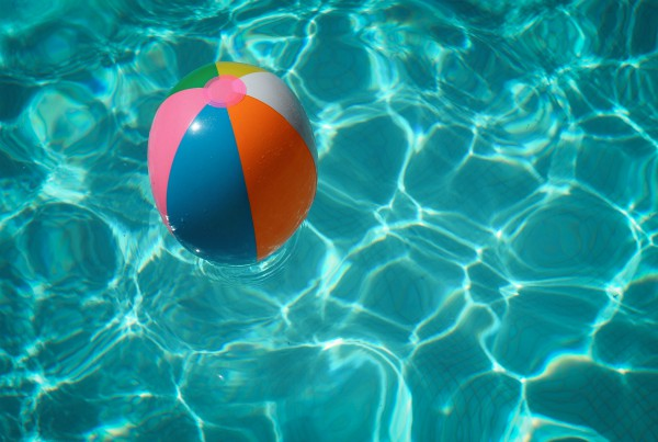 piscina de agua dulce o agua salda