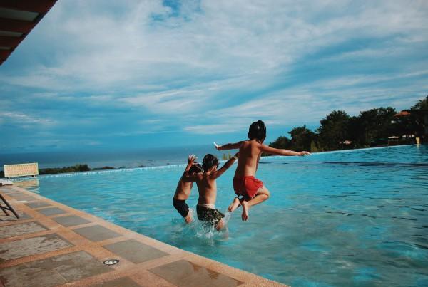 piscinas de agua dulce o agua salda